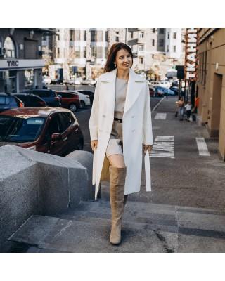 Довге жіноче пальто з поясом 4 ґудзика, біле з жовтим відтінком