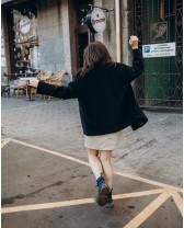 Жіноче коротке пальто, чорне