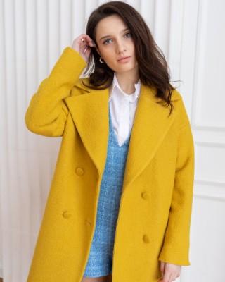 Довге жіноче пальто з поясом 4 ґудзика, жовте