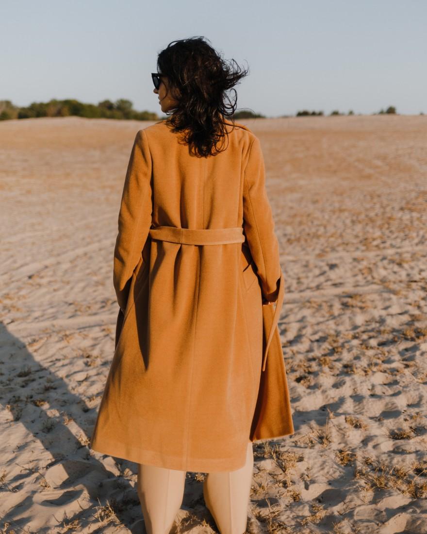 Довге двубортне пальто з поясом 4 ґудзика, темний нюд
